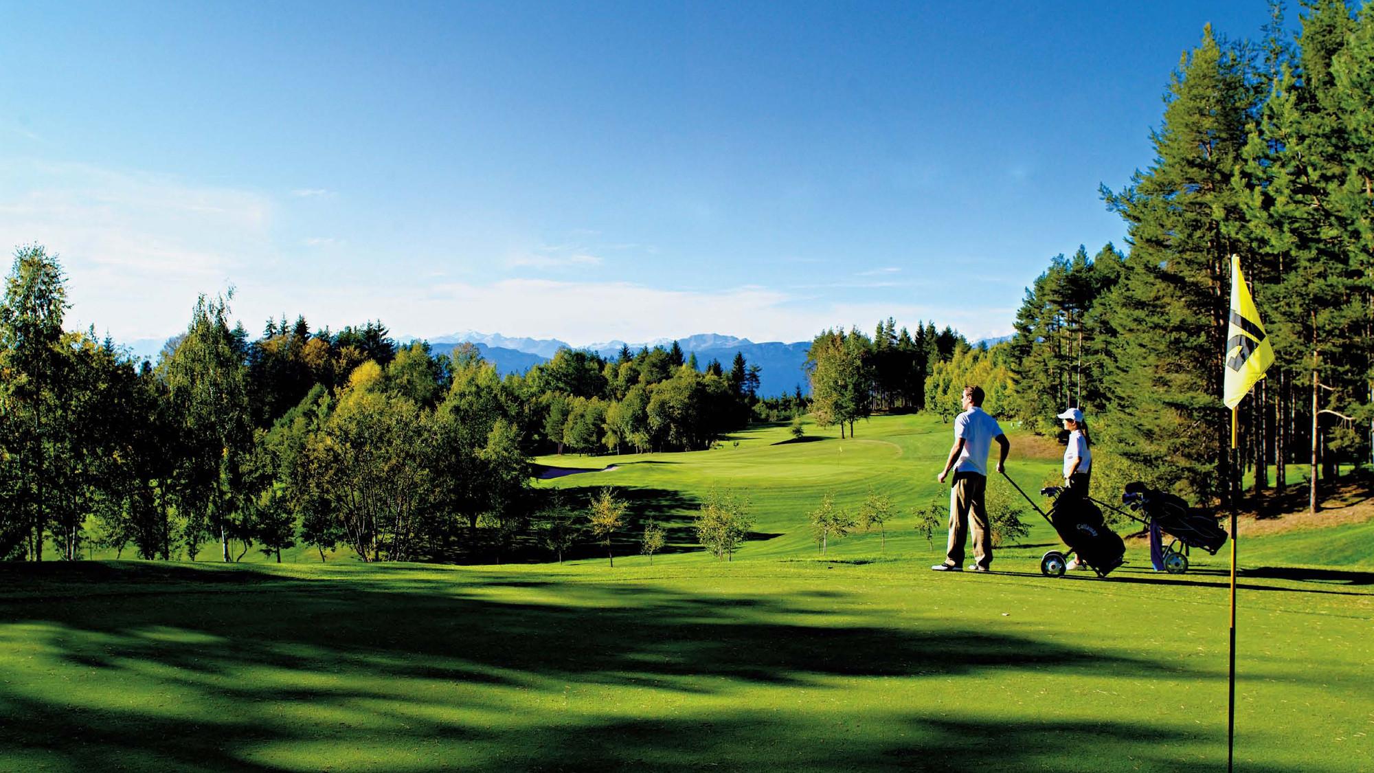 Golf-Club-Petersberg-1