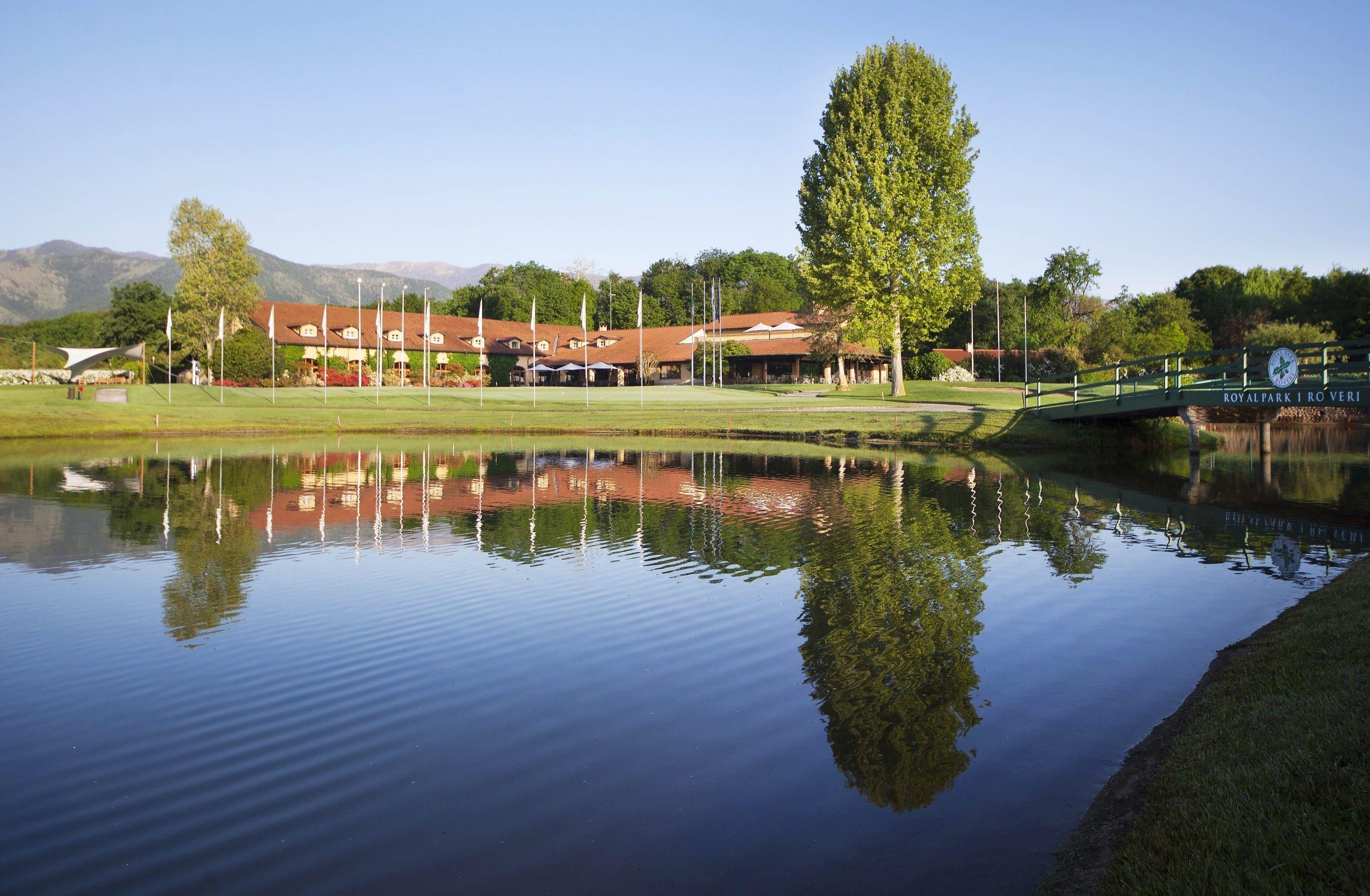 Royal-Park-I-Roveri-Club-House-1